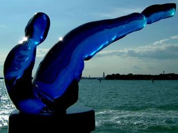 """Scultura """"Alla luce"""" - eseguita con vetro acquamarina a Murano (VE) 46 x 23"""